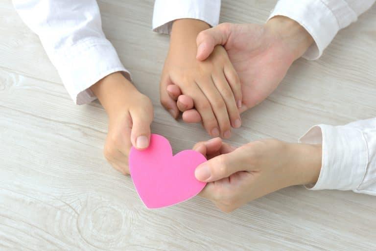 עמותת רחשי לב מבצעת קמפיין גיוס כספים לטיפולי חמלה