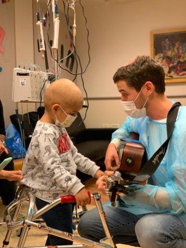 תרמו לעמותת רחשי לב - בזכותכם נציל חיים של ילדים חולי סרטן